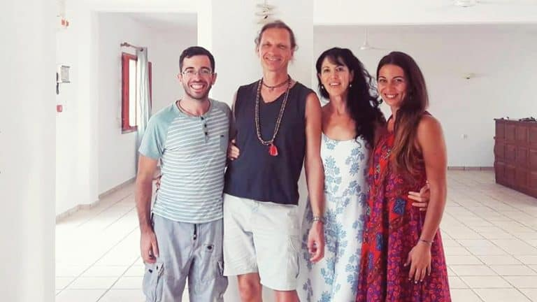 Modern Yogi Goes to Paros (Ashtanga Yoga Retreat – Gregor Maehle & Monica Gauci)